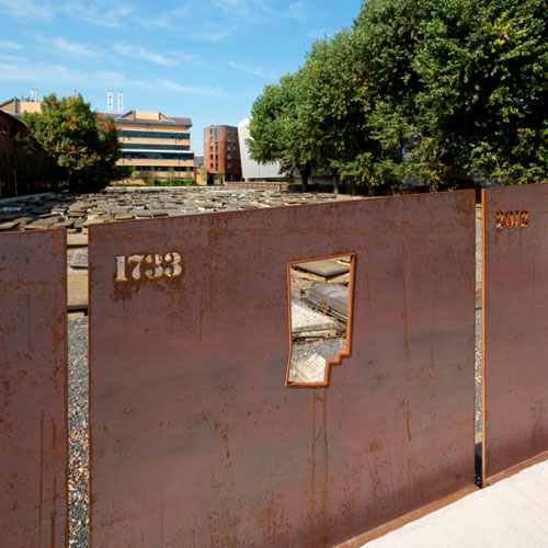 Hollywood Design Novo Cemetery London Corten Steel Bridge
